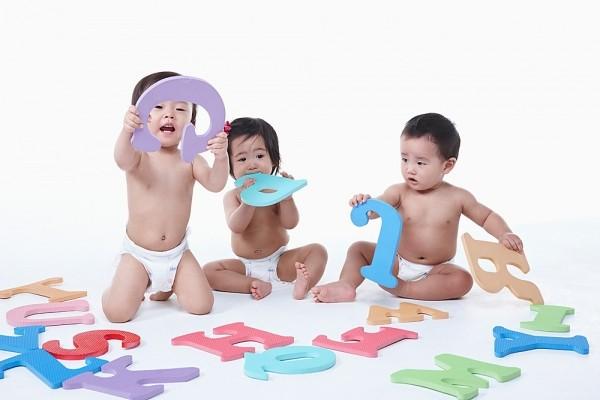 Các cột mốc phát triển ngôn ngữ ở bé 0-3 tuổi